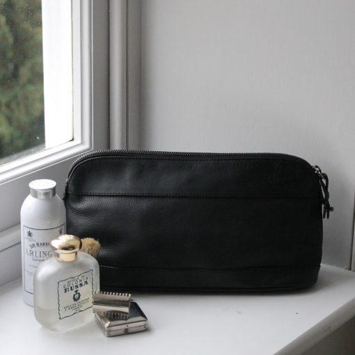 Roomy Pierce Black Leather