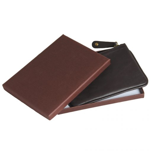 Plain, smooth cow leather with gift box
