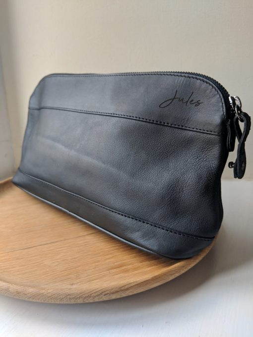 Bespoke leather washbag